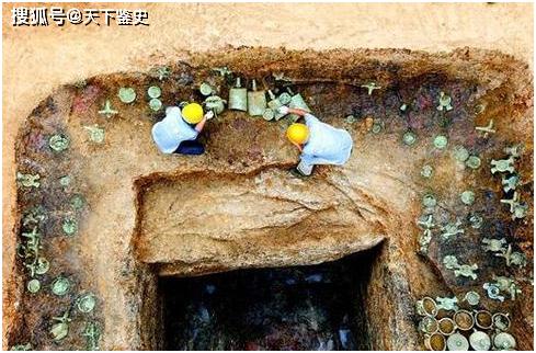 """原创            河南挖到6000年古墓,出土""""中华第一龙"""",原来古代真的有""""龙"""""""