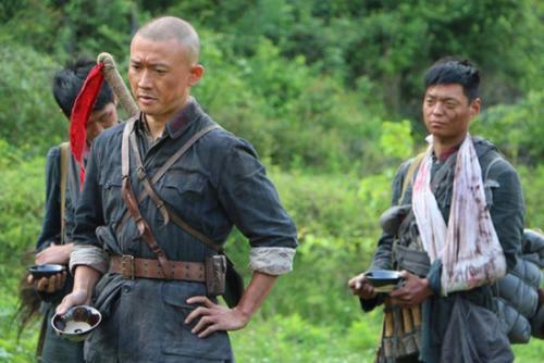原创            被马步芳打的只剩3人,他乞讨回延安,12年后,灭2.7万马家军