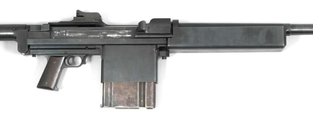 大口径版M1卡宾枪?弹匣比脸大的反坦克步枪,仅造一支原型枪惨遭淘汰