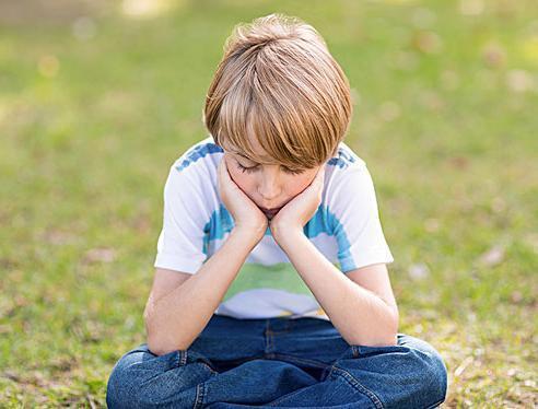 久宅在家,孩子闹着要出门?帮助孩子调整心理状态,家长要重视