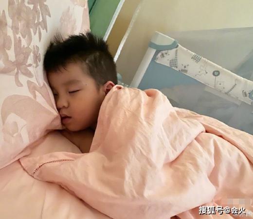 """""""槿汐姑姑""""晒母子日常,遗憾3岁儿子不像她,45岁老公意外躺枪 作者: 来源:会火"""