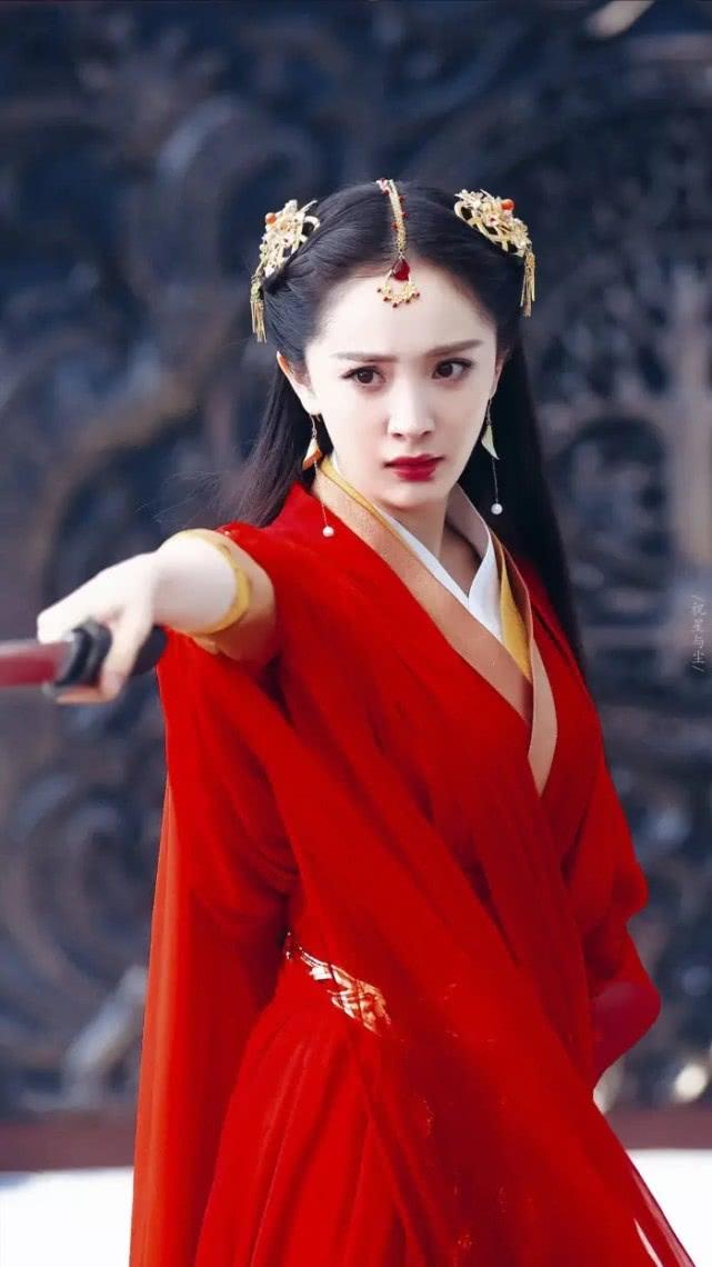 「明星粉丝团」原创女神杨幂小时候清新甜美,就如一个小天使比现在都要美