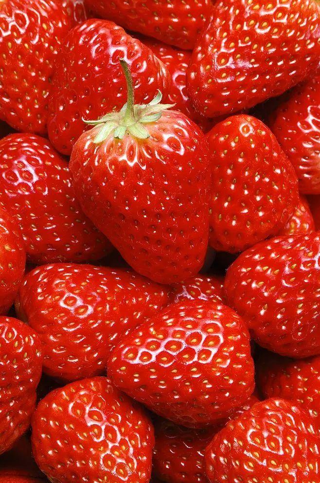 草莓的隐藏吃法 附草莓怎么洗才干净?