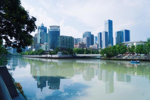 """《四川第一大城市,GDP远高于省内其他城市,被称为""""最霸气""""省会_超越娱乐明星,超越娱乐注册平台官网》"""