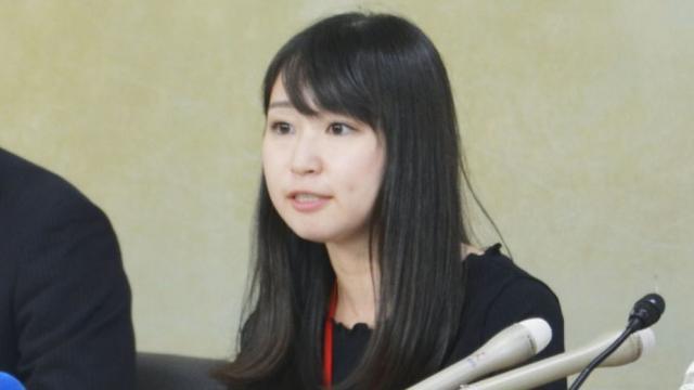 原创 双脚疼痛难忍,日本女子发起反高跟鞋运动,被男网友留言辱骂