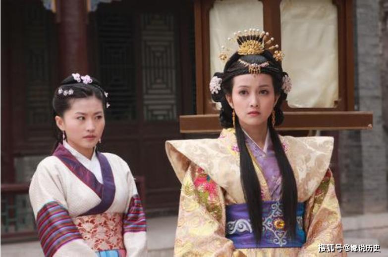 原创            9位妃嫔一同入宫,出现3位皇贵妃2位皇后,而她受尽荣宠却早逝