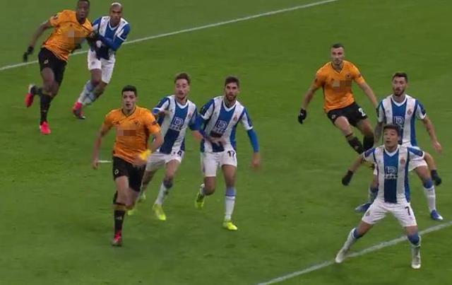 开场15分钟,0-1落后!西班牙人噩梦开局+陷入绝境,狼队疯狂庆祝