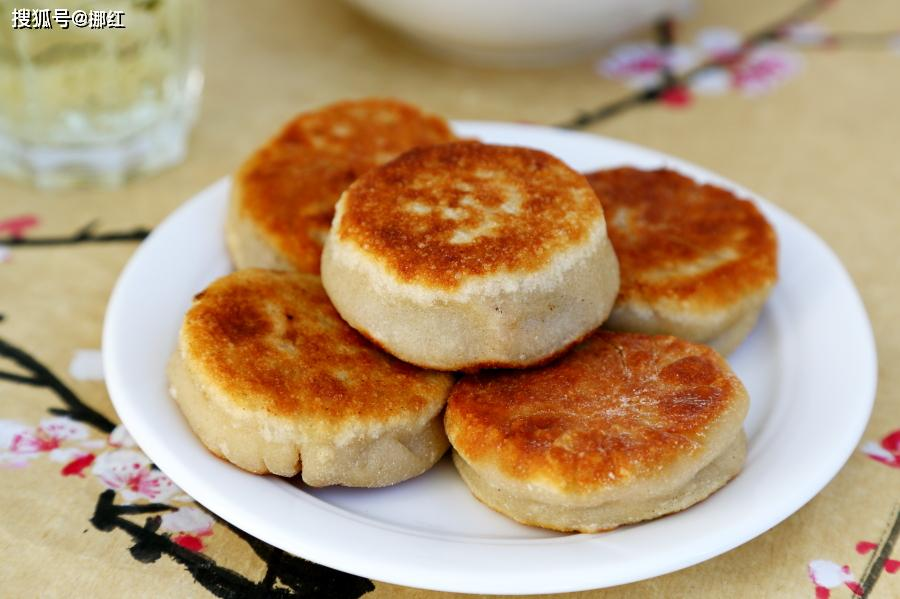 不炸油条不蒸蛋糕,足不出户吃到老北京小吃,它薄皮大馅汤汁香浓