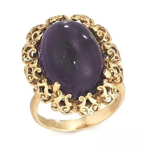 <b>铁娘子教出败家子,卖27万紫晶戒只够吃1年?留下能当传家宝!</b>