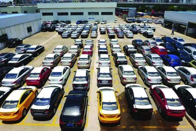 2月上半月国内汽车销量大跌92%,促销政策将推出,今年买车最划算