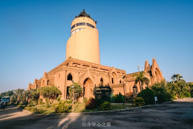 缅甸蒲甘修建最高日出观景台,游客评价:大煞风景