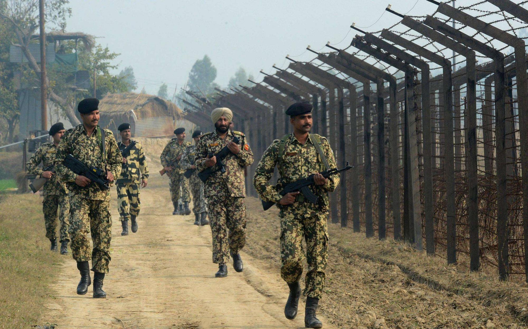 印度士兵3人死亡