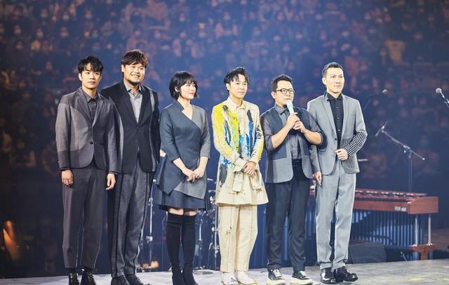 蘇打綠休團三年后復出!成員現身吳青峰演唱會,合唱引粉絲淚目
