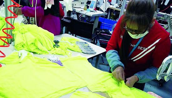 速干衣排行_优衣库再捐逾2万件速干衣支援广东一线防疫医护人员等