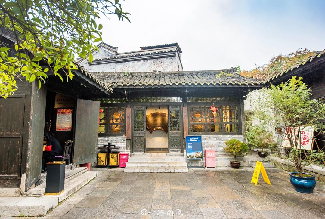 原创             贵阳第一个5A景区,原本默默无闻,如今堪比凤凰丽江!