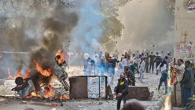 近100人死伤!特朗普到访当天,印度国内乱成了一锅粥