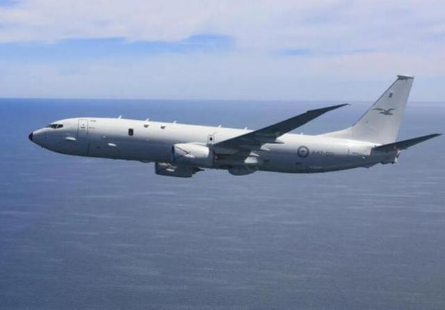 052D刚在西太展示自由航行后,美军坐镇主场,集结两国上百架战机