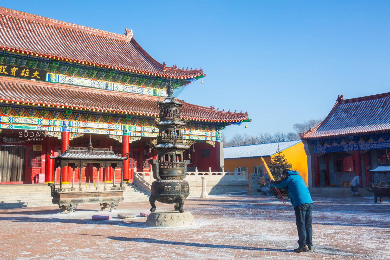 中国佛教建筑之美:这座寺庙只有24年历史,却是闹市中的一块净土