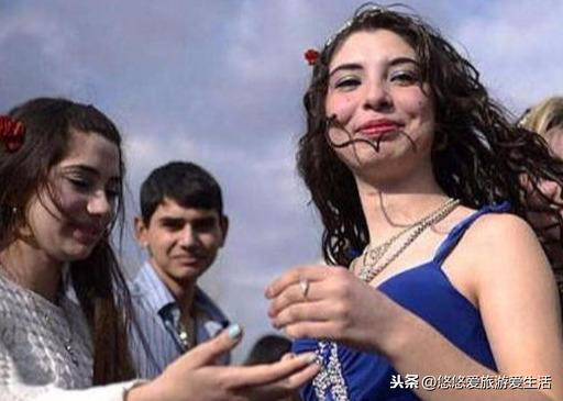 """原创             保加利亚""""新娘集市"""",传统观念繁衍的""""产物"""",女孩被明码标价"""