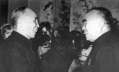 他本是国军上将,却多次帮红军解围,建国后担任北京市政协委员