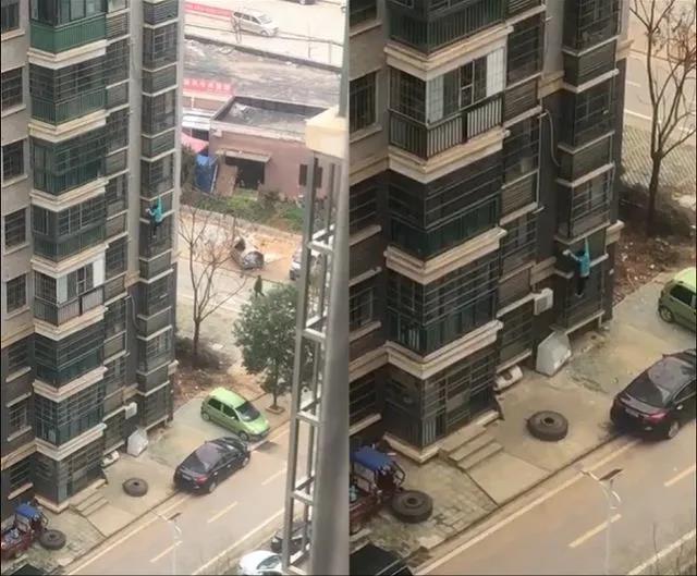 武汉女子从十楼爬窗下楼买肉?官方通报来了