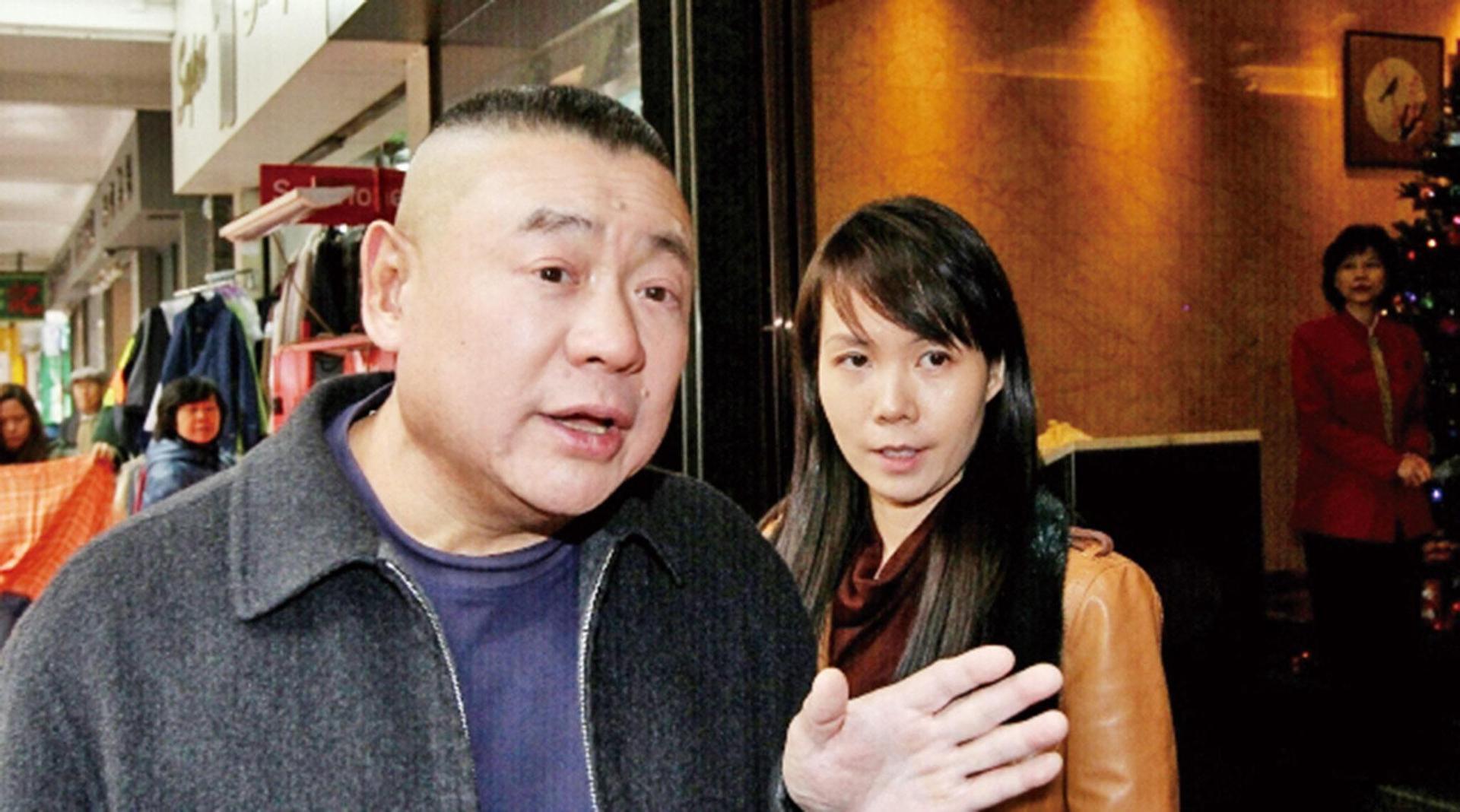 香港知名主持人自曝出轨,曾与刘銮雄前妻相恋,并大曝双方私密事