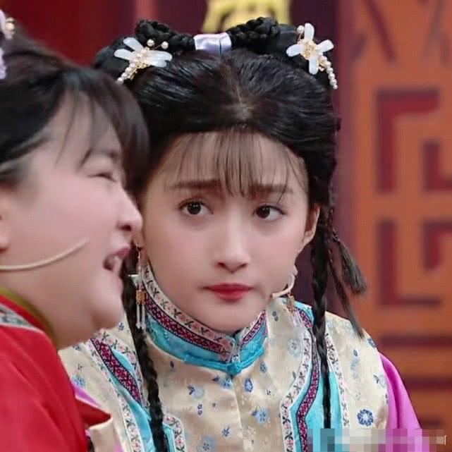 关晓彤扮演小燕子清新甜美,完全很适合这个角色啊