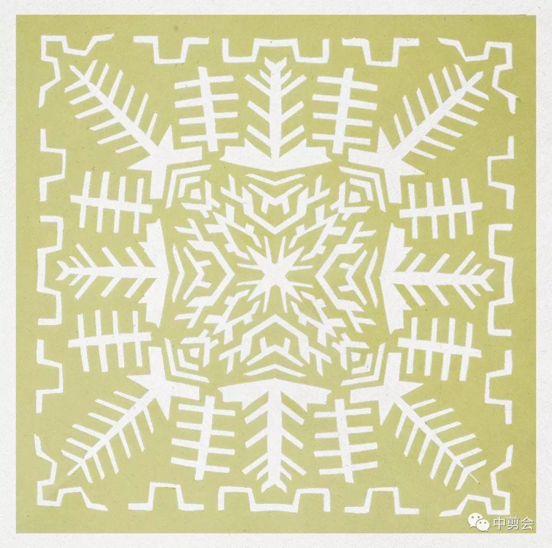 六折团花剪纸图案步骤