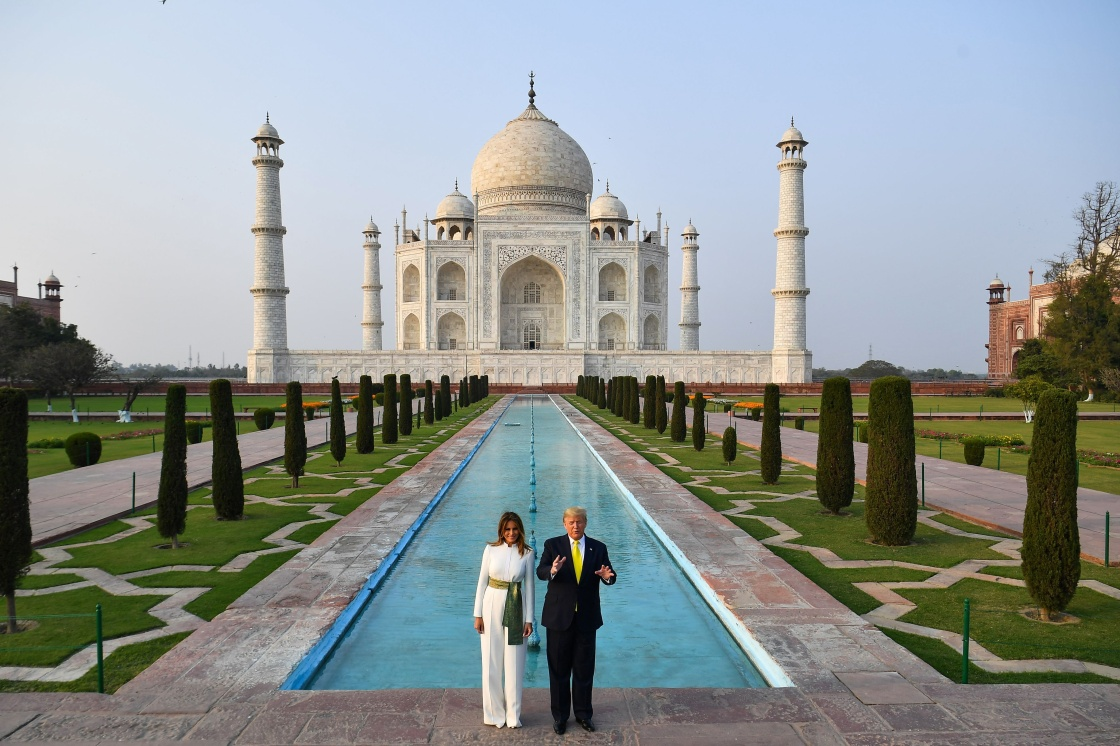 """特朗普首访印度:与莫迪的""""化学效应""""难掩美印利益分歧"""
