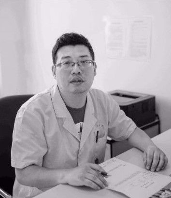 【痛心】26小时内4位医生牺牲!中央:一线医护人员薪酬提高2倍!