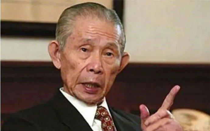 原创             台湾商业教父:从200元起家到台湾首富,成就7000亿台塑帝国!