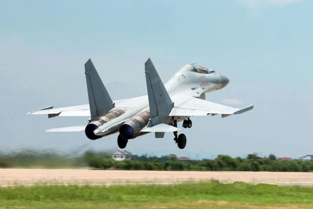 巴基斯坦急需重型战机,俄罗斯推销苏35,禁止歼16抢生意