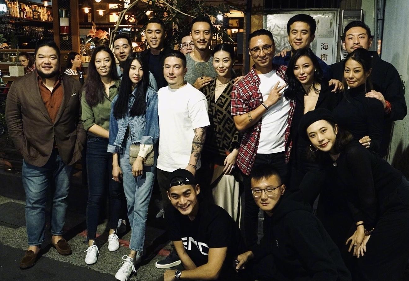 原创             萧亚轩前男友王阳明晒照,和娇妻庆祝女儿一岁,不愧台湾第一美男