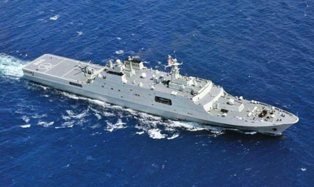中国最大外贸巨舰,排水量达22000吨,为何出售价格还不到10亿?