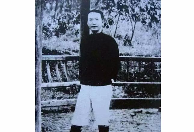 中共领导人瞿秋白未能随军长征、留守苏区最终遇害之真相