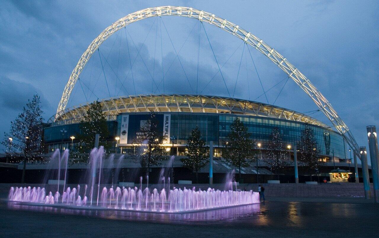 英足总谈欧洲杯承办:首要保证参与者+球迷安全