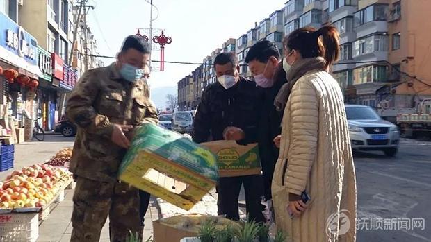 清原融媒体中心记者当起推销员 帮农户卖玉米