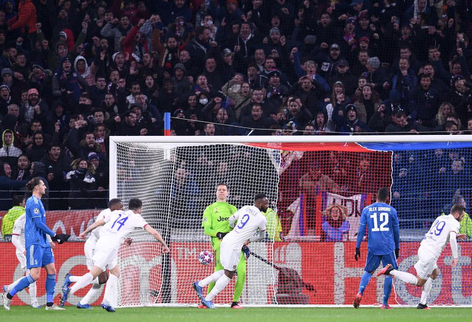 欧冠-图萨尔垫射迪巴拉进球被吹 尤文客场0-1里昂