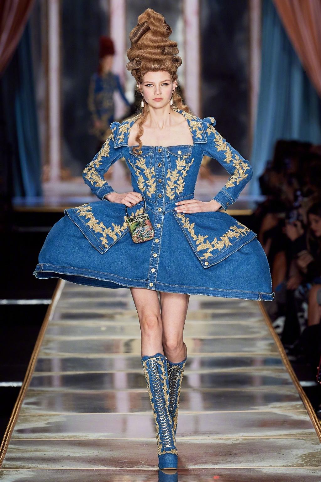 洛可可风格服装秀_时装周里的童话世界,MOSCHINO发布秀,每个模特都是漫画芭比 ...