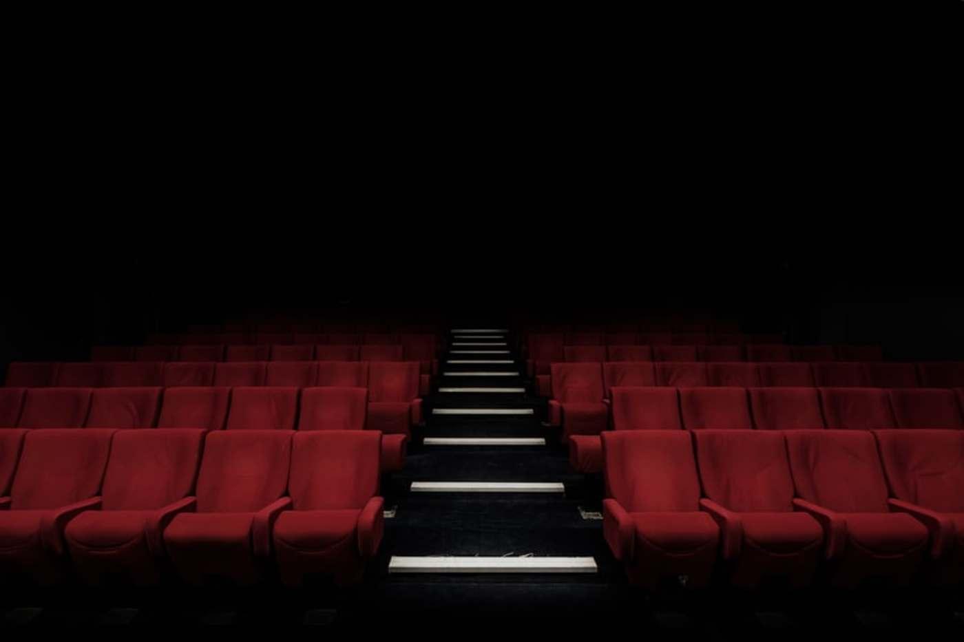 当电影院按下暂停键,成本压力!遥遥无期的电影从业者的复工梦
