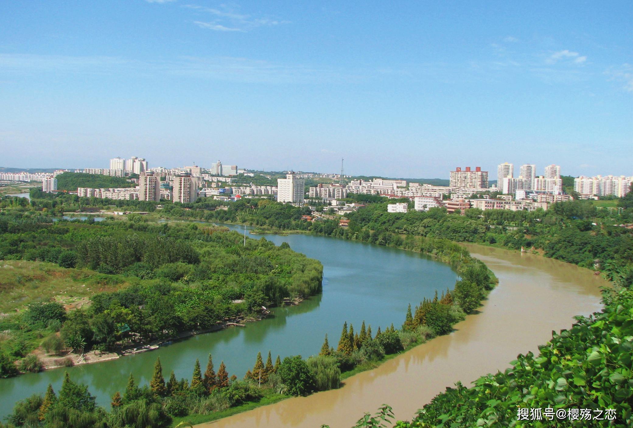 """原创             中国""""悬殊""""最大的省份,第一城与第二城之间,差了14000多亿"""