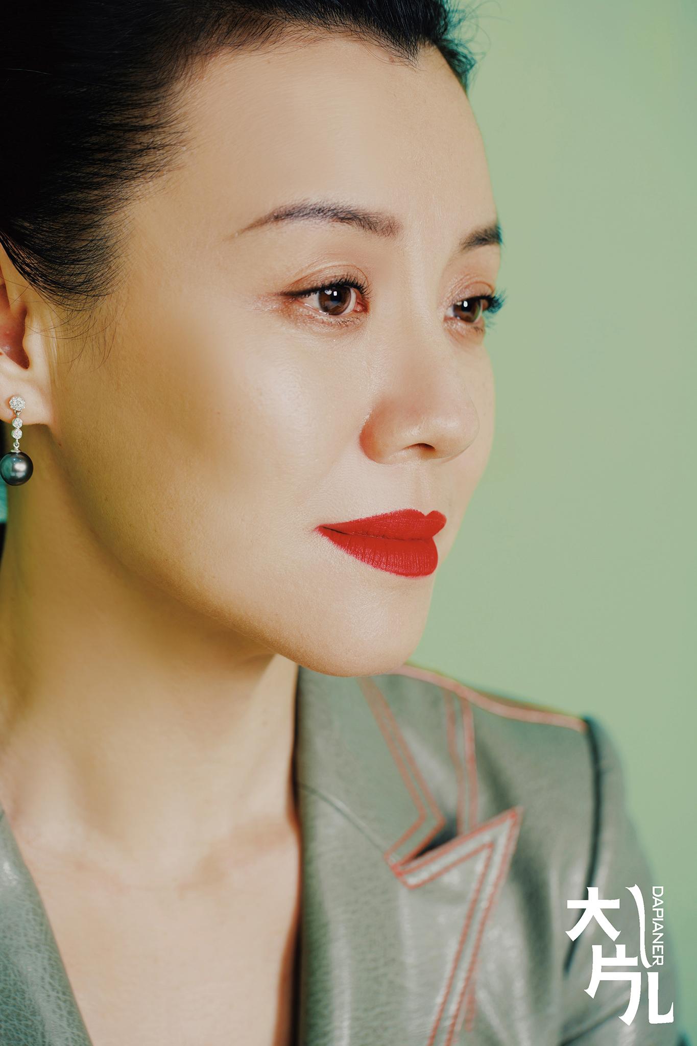刘琳时尚大片可柔可飒玩转光影演绎唯美风情_造型