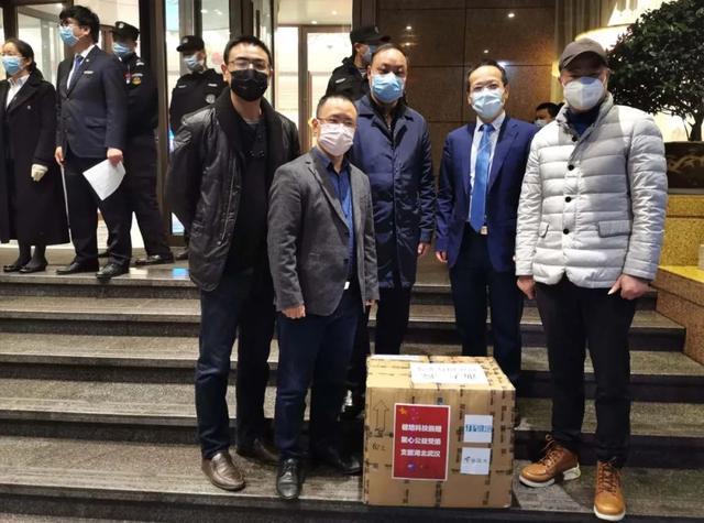 一口氣為醫療隊捐了4臺機器人,這位CEO還覺得非常遺憾