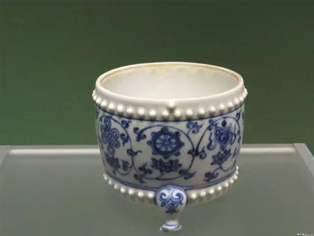故宫博物院藏与景德镇出土成化瓷对比!