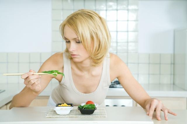 为什么节食减肥,身体代谢水平会下降?怎么保持基础代谢?