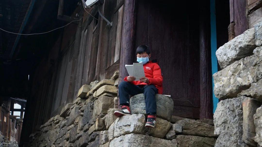 """百姓中国周刊:大喇叭开始广播啦-山村小学""""空中课堂""""不一样"""