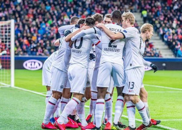 比赛日:法兰克福总分6-3进欧联16强 莱斯特城0-1