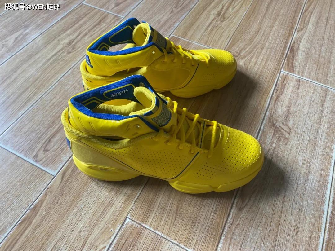热点:原创十年前的篮球鞋科技你听过多少?限量1600双的罗斯1全明星配色开箱