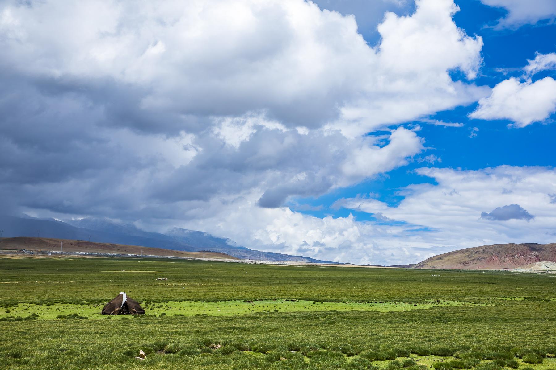 西藏5处绝美的旅行地,梵音袅袅,流水潺潺,这才是梦中的天堂