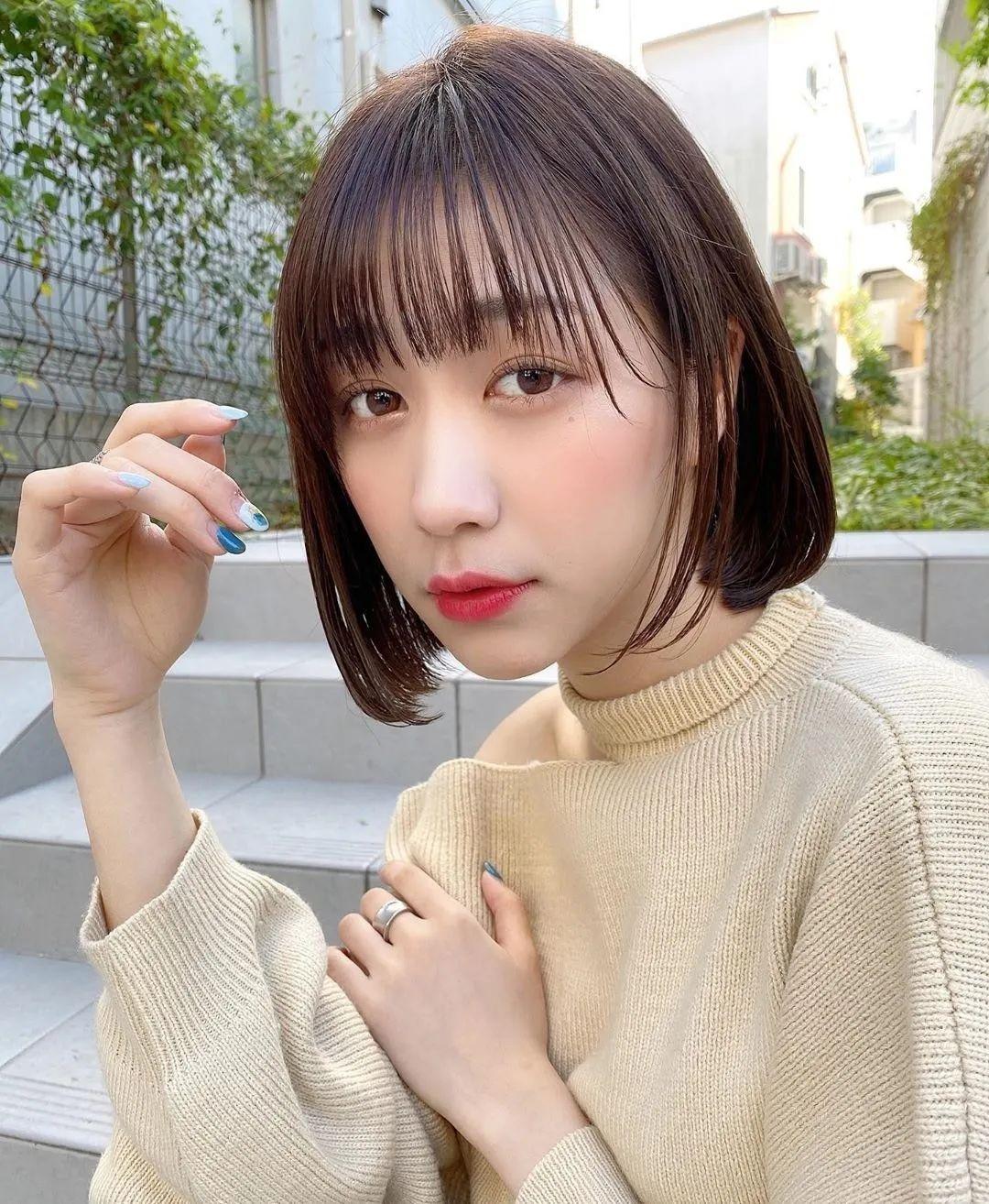 日本发型师分享好看短发的要诀!发尾外卷、耳下2cm轮廓是关键